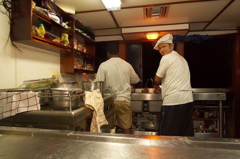 The Deep Blue kitchen (Galapagos - Deep Blue)