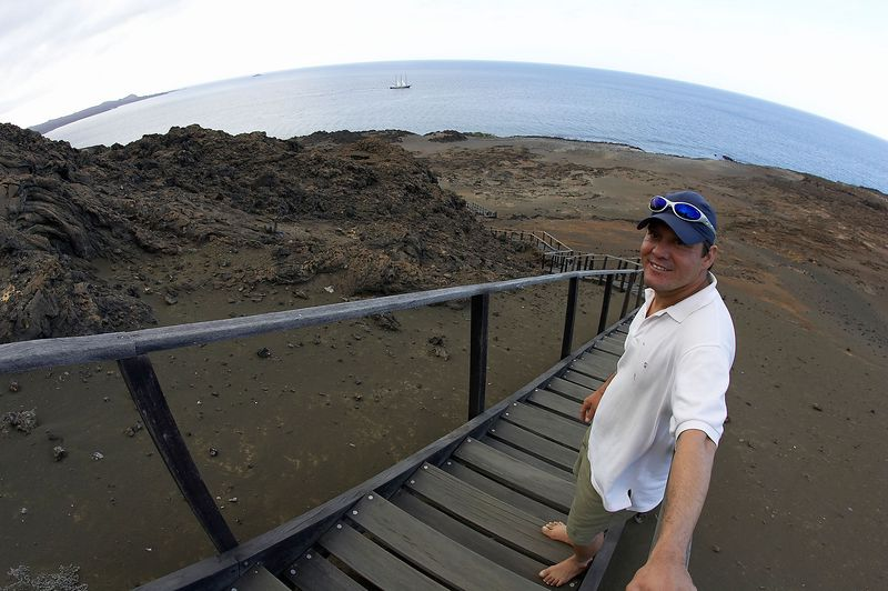 Luiz, guilding our way (Galapagos - Bartolome)