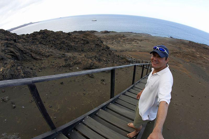 Luiz, guilding our way (Galapagos - Bartolome)