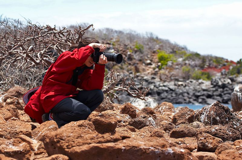 Lena, with her camera (Galapagos - North Seymour)