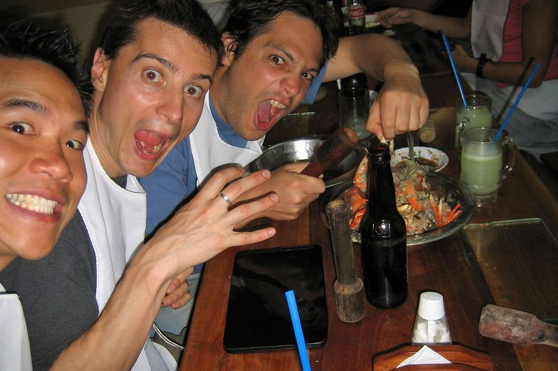 Eric Cheng, Emile Litvak, Alexis Tabah: bibbed, and ready to eat (Galapagos - Guayaquil)