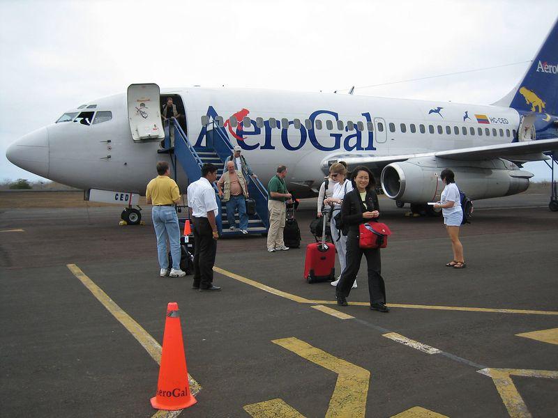 De-planing at Guayaquil (Galapagos - San Cristobal)