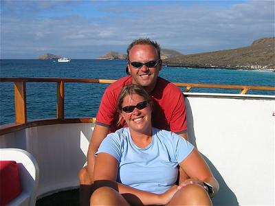 Teamfoto bij Sombrero Chino. Galapagos Eilanden.