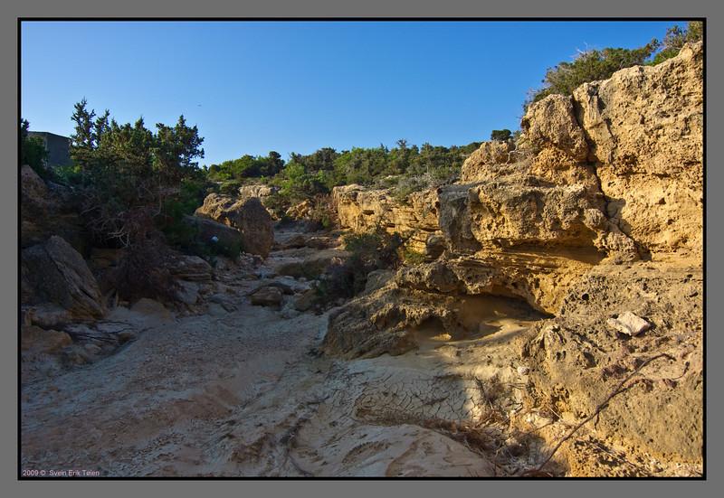 Gorge by Fetife