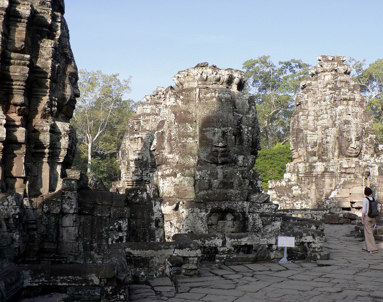 The upper level has 54 towers with 216 giant Avalokiteshvara (Buddha of compassion) faces.