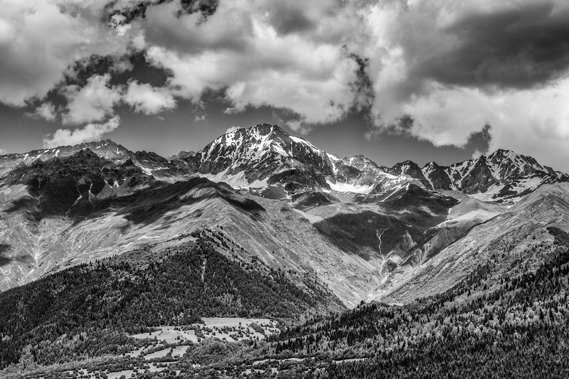 Mountains (black and white)