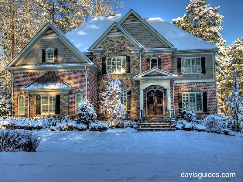 Atlanta home in the snow