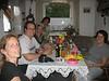 Sigrid, Marco, Christine, Oma Edith und Julia nach dem Schnitzel