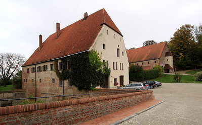 Landshut - Trausnitz Castle - the former court stables (foreground) and wine cellars (background).