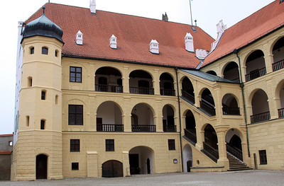 "Landshut - Trausnitz Castle - Inner Courtyard and main tract of the castle with the arcades (""Walkway Building"") by Friedrich Sustris, 1578."