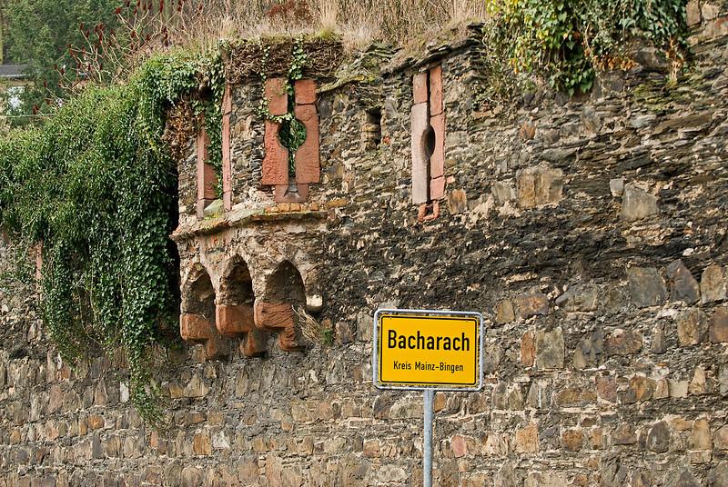 Entering Bacharach.
