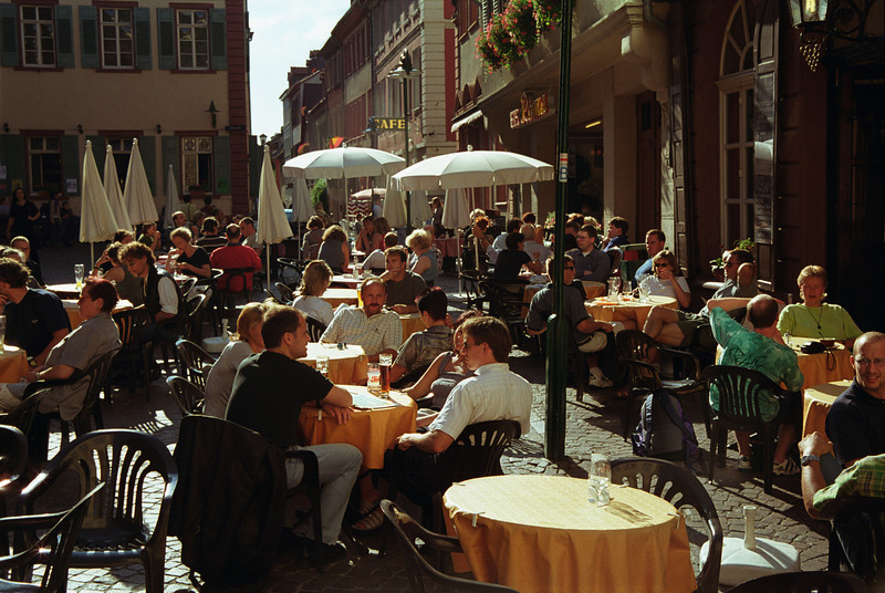 Cafe at Fischmarkt Heidelberg early evening