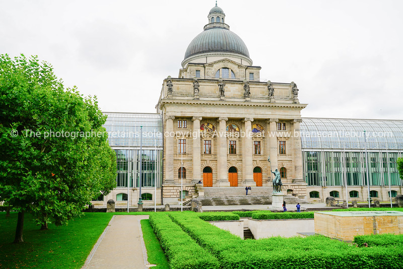 Chancellery building in Munich Hofgarten.
