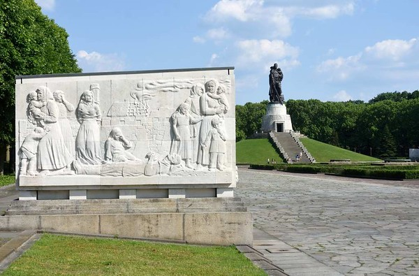 1941 - 1945 Soviet war memorial, Treptower Park, east Berlin, 4 June 2016.  The plinths have a bas-relief on either side and a Stalin quotation on the end.  Here are eight photos.