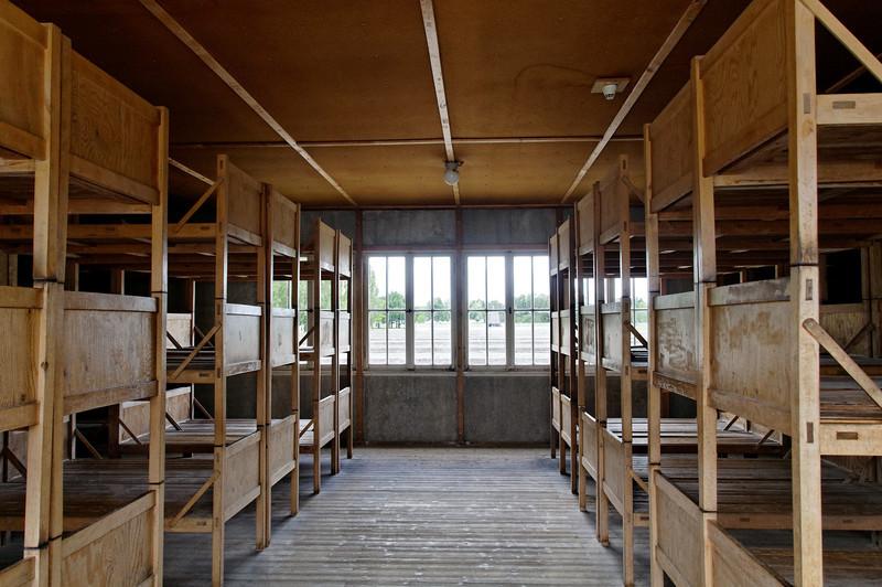 Campo de concentração de Dachau<br /> Prisoner bunks