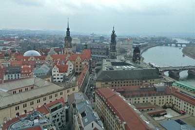 View of the Elbe and Hofkirche