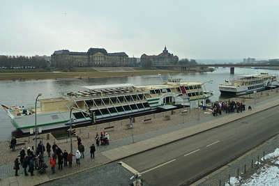 Boarding for a cruise on the Elbe