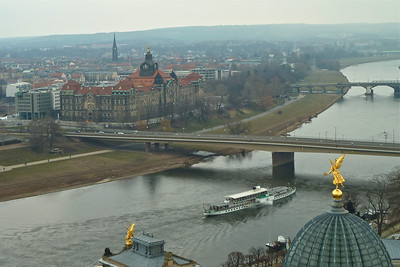 Day cruise on the Elbe
