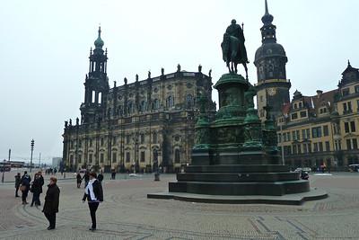 Hofkirche from Theatreplatz