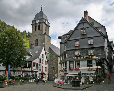Another photo taken from the Town Square - this one shows the church in the background and again the Cafe Kaulard.