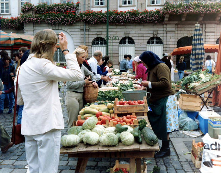 Heidleberg's Farmers Market.<br /> ©1981 Thomas Stanziale. All rights reserved. Minox GL