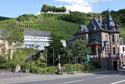 Bernkastel-Kues, Middle Moselle River.