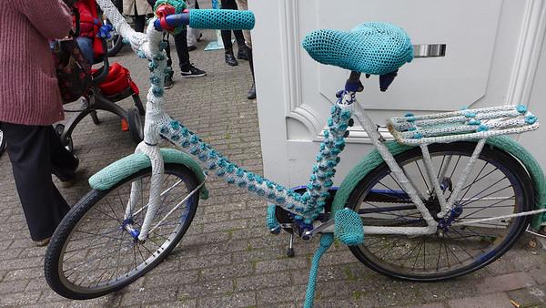 Crochet bike in Amsterdam