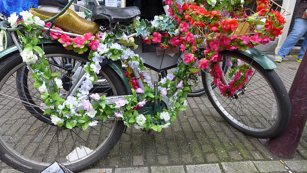 Flowery bike in Amsterdam. Amsterdam at it's finest :)