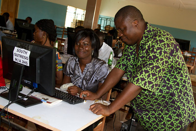 Eugene (head of Opoku Ware) helps out