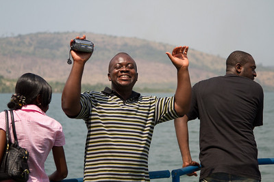 """Benee doing his impression of a Ghanaian kid shouting """"Snap me!"""""""