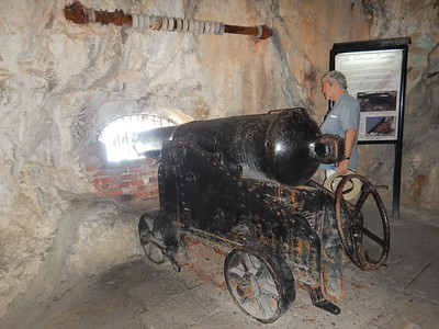 cannon with mantlet holder above