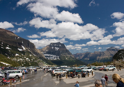 logan pass visitors center parking lot