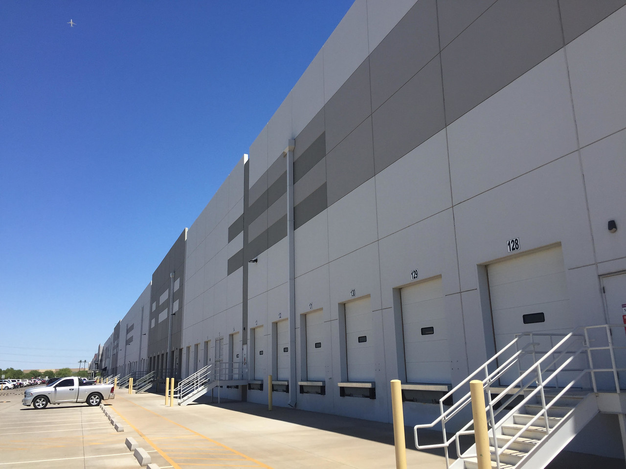 Tour Amazon Fulfillment Center Amazon warehouse in Phoenix