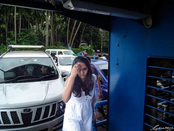 Nidhi, Divar Ferry