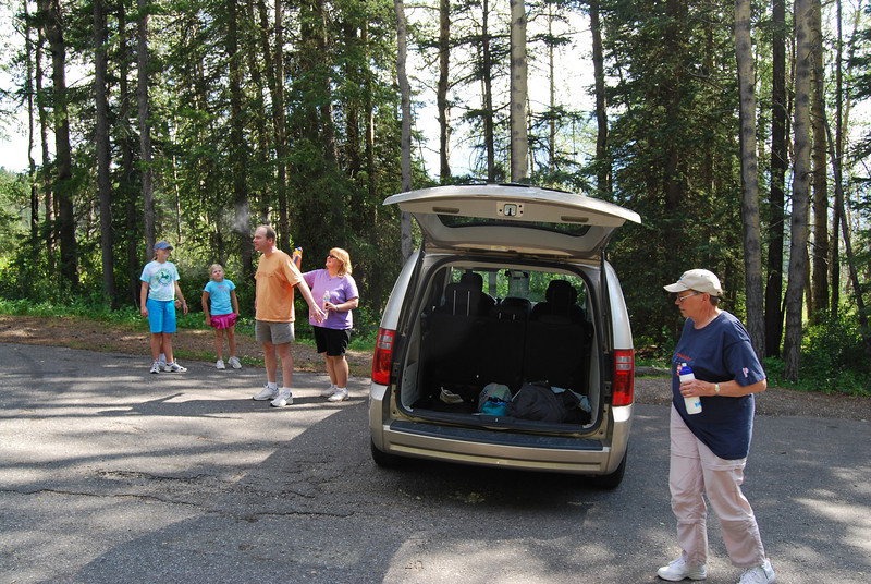 After breakfast in the RV we head off to yet another lake; bug spray and sunblock come first tho'.