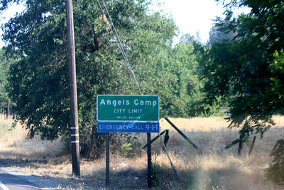 7/8/07 Angels Camp off Hwy 49 (Mother Lode Hwy), heading for Hwy 4 (Ebbett's Pass Rd). Central Sierra Foothills, Calaveras County, CA