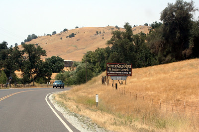 7/8/07 Hwy 49N (Mother Lode Hwy), between Angel's Camp & San Andreas. Central Sierra Foothills, Calaveras County, CA