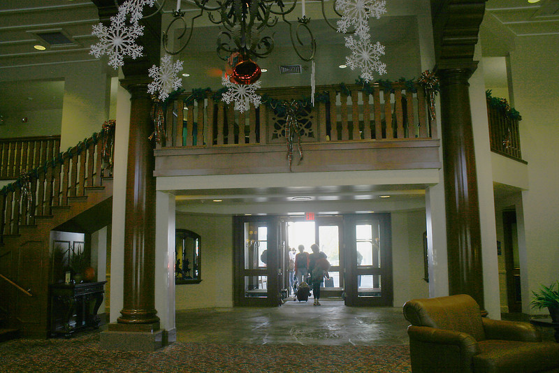 Hotel: lobby at the Grand Canyon Railway Hotel