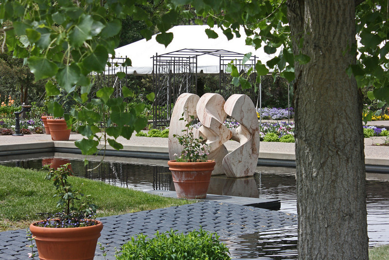 Denver Botanical Garden - Henry Moore Sculpture