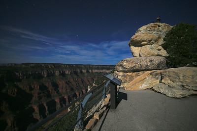 Only one other photographer was capturing the incredible sky at Bright Angel point.