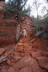 The steep trail to Devil's Bridge.