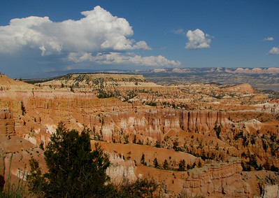 Sunrise point looking southeast to Table Cliff Plateau above Escalante