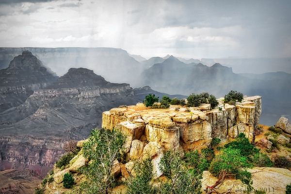 Thunderstorm passing through the canyon, Moran Point.