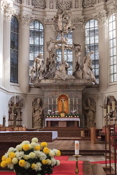 Passau-walk-Bishop-Residence_4635