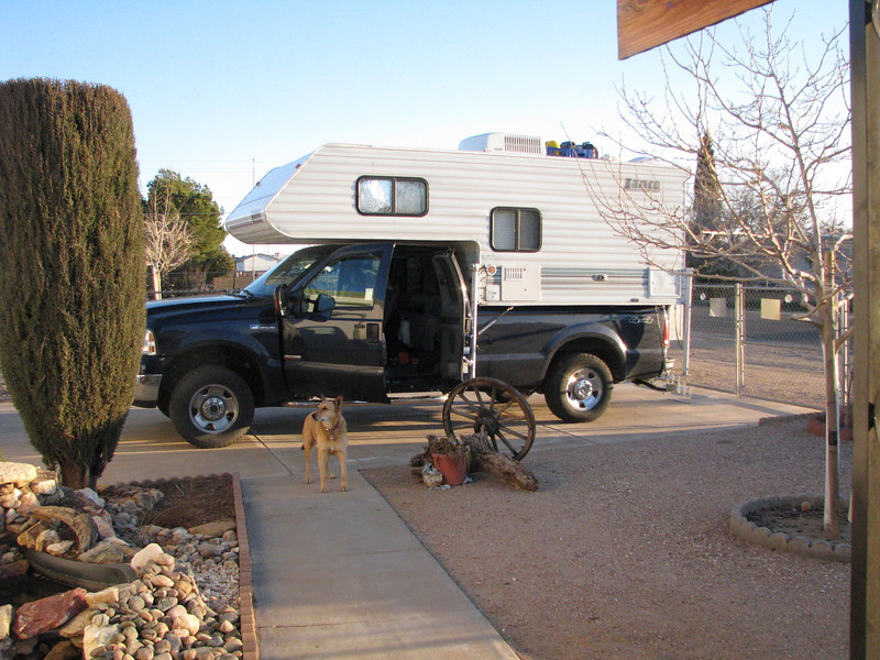 Ginger isn't shy about wanting to come along on our trip, not this time Ginger. We'll be staying the night here and heading on to Grandcanyon Caverns in the morning.