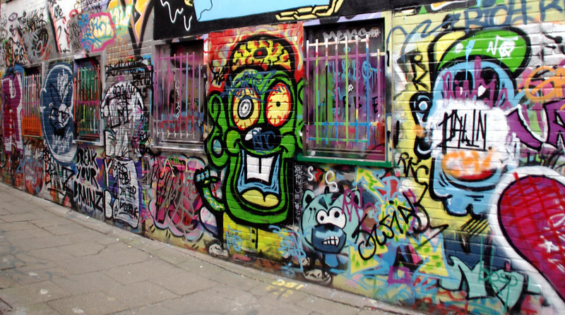 More graffiti on the walls of Ghent
