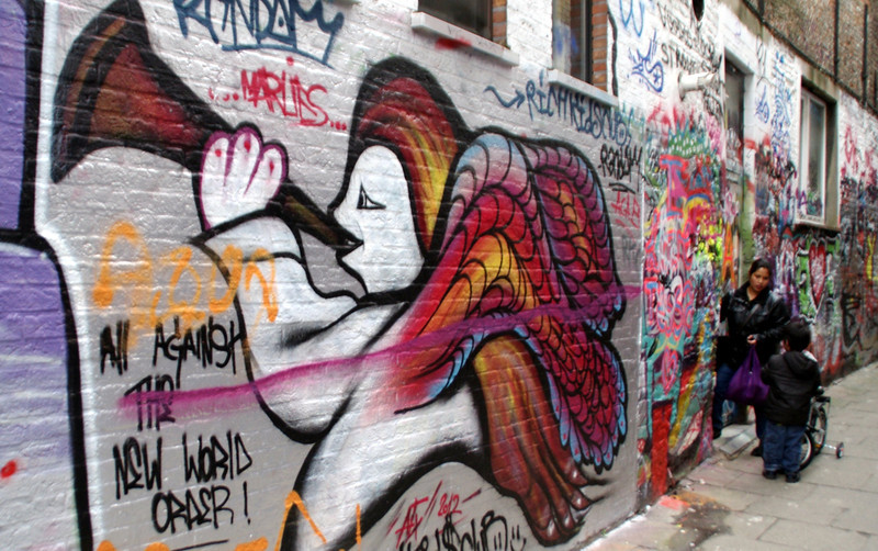 SOme of the awesome graffiti that Ghent is famous for