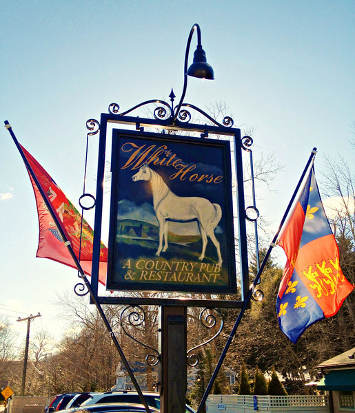 White Horse Country Pub & Restaurant