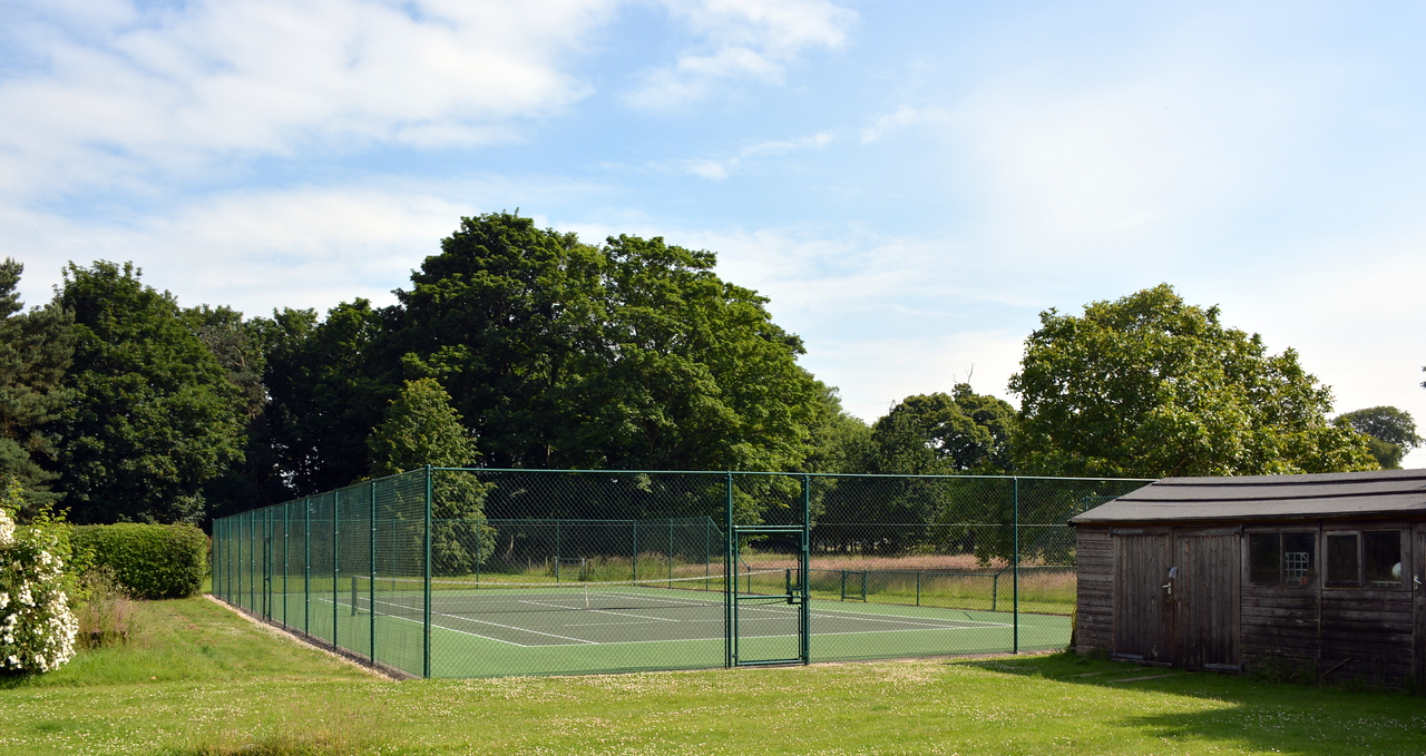 Tennis Courts at Washingford House
