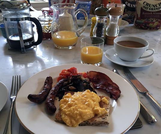 Breakfast at Washingford House